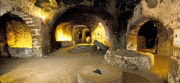 underground passage Orvieto, resized 600