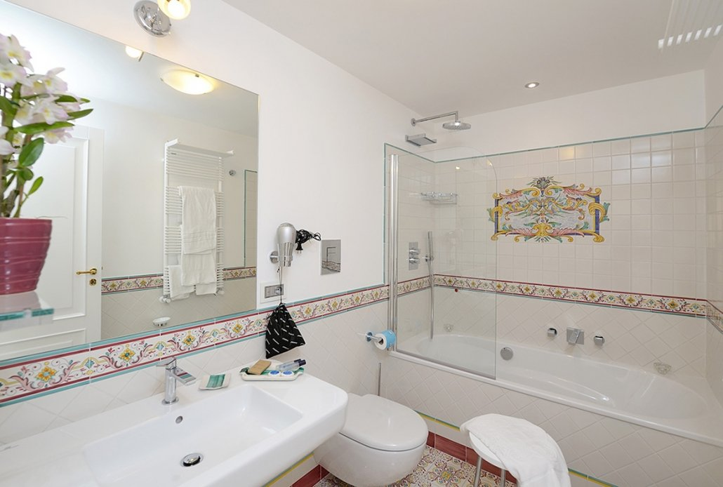 Amalfi Bathroom Junior Suites 1lvl 10